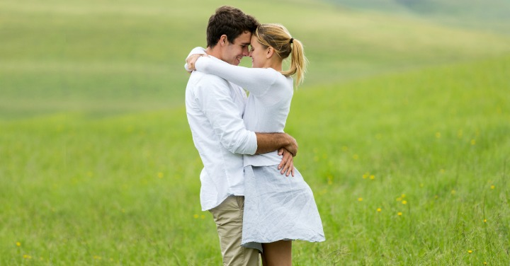 Keeping the Love Alive : Stop Life From Eroding Your Relationship
